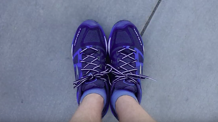 Este vídeo mostra como ficaram os sapatos de um cara que caminhou do México até o Canadá