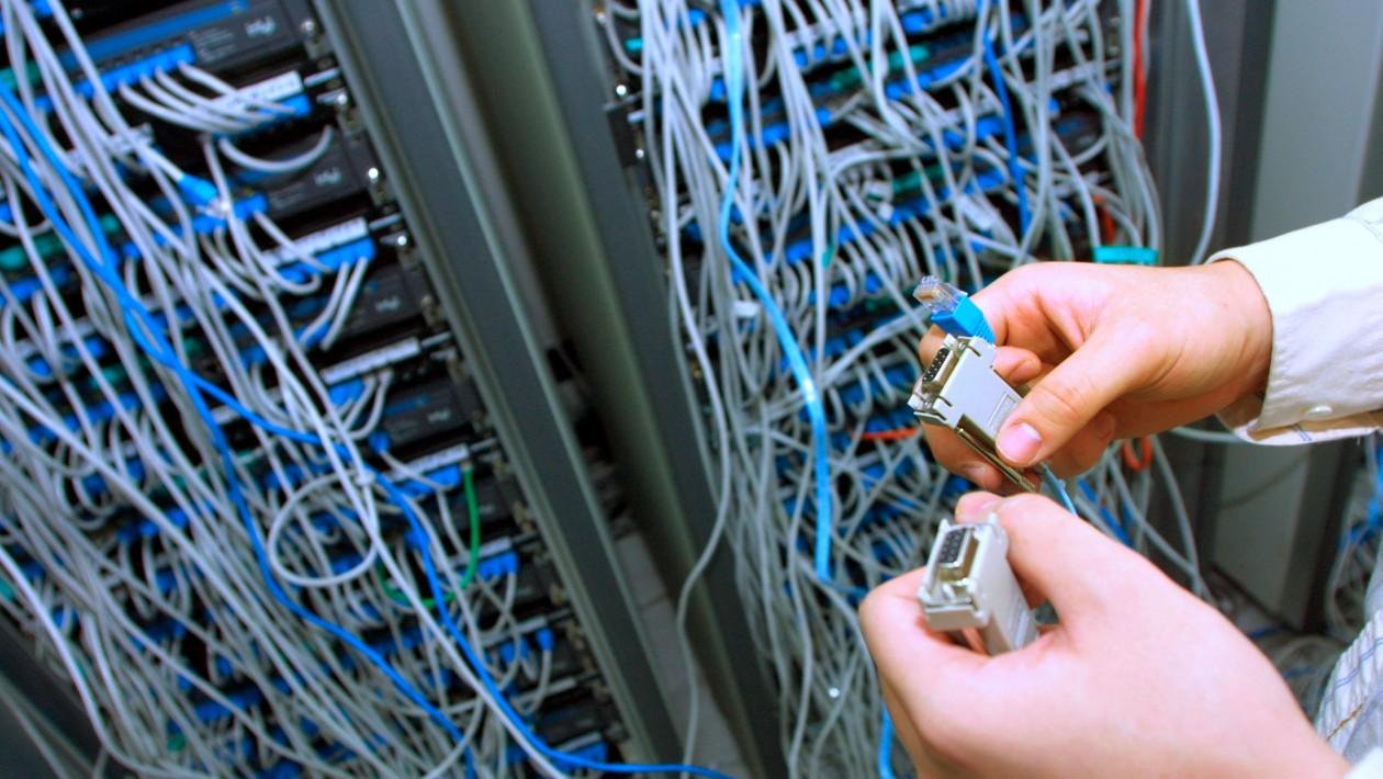 Por que os ataques DDoS à infraestrutura da internet só vão piorar daqui em diante