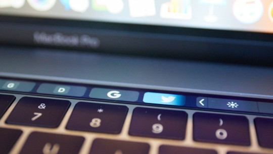 macbook pro touch bar review (2)