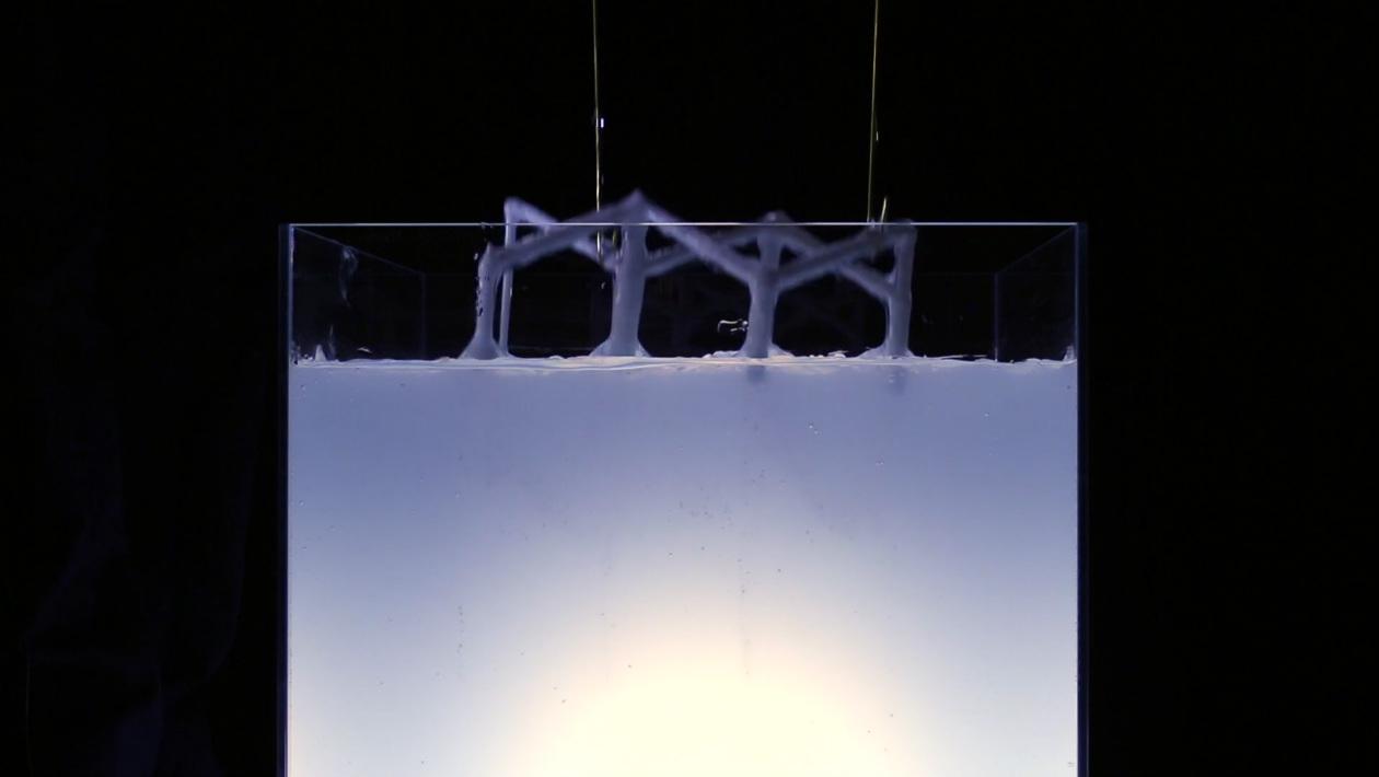 Novo método de impressão 3D acaba com as limitações da gravidade e encurta o processo