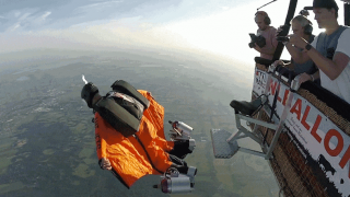 2017-08-15 17_17_50-You Can Keep Your Self-Driving Cars, I Want This Jet-Powered Wing Suit