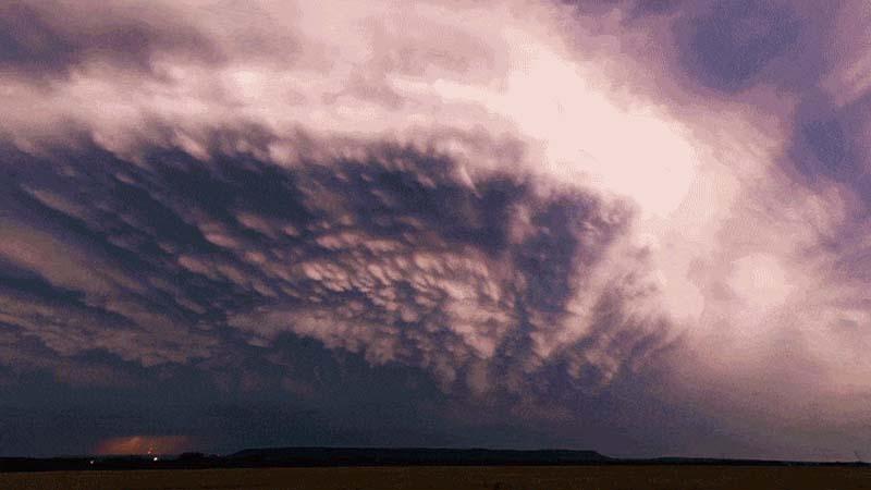 Este timelapse deslumbrante transforma tempestades em obras primas