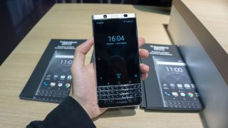 Blackberry-KeyONE-00502