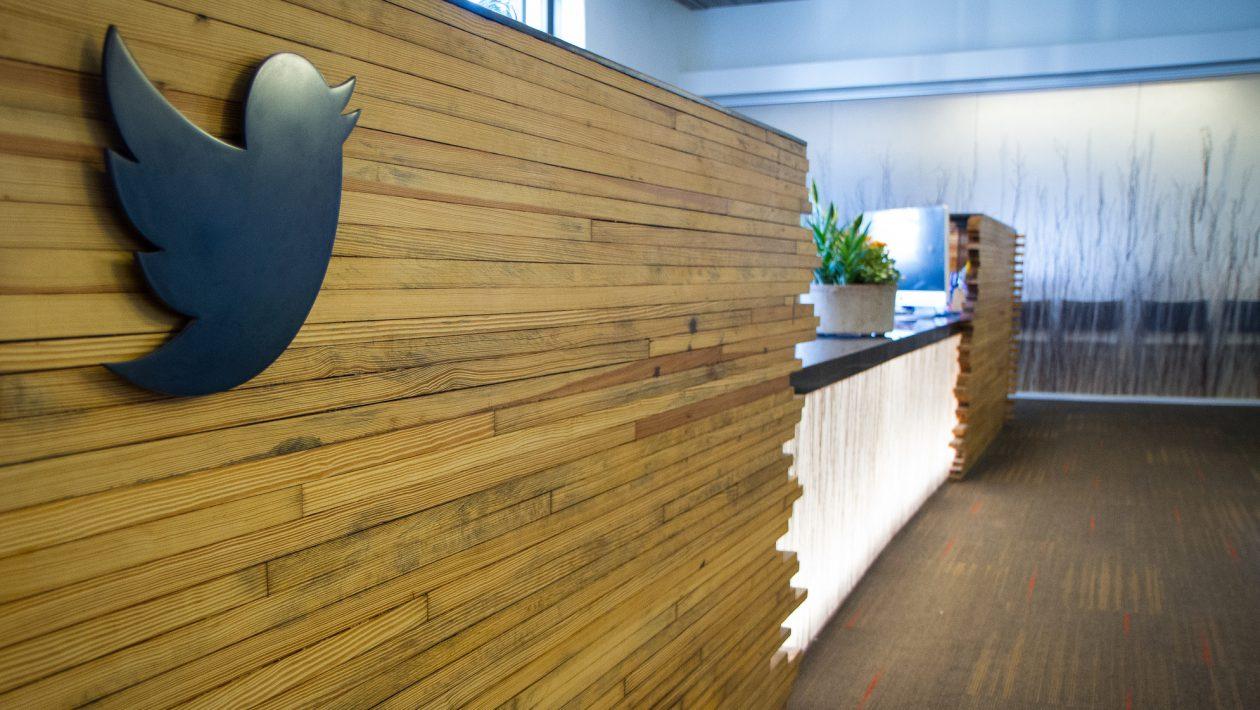 Finja surpresa: algumas celebridades compram seguidores no Twitter