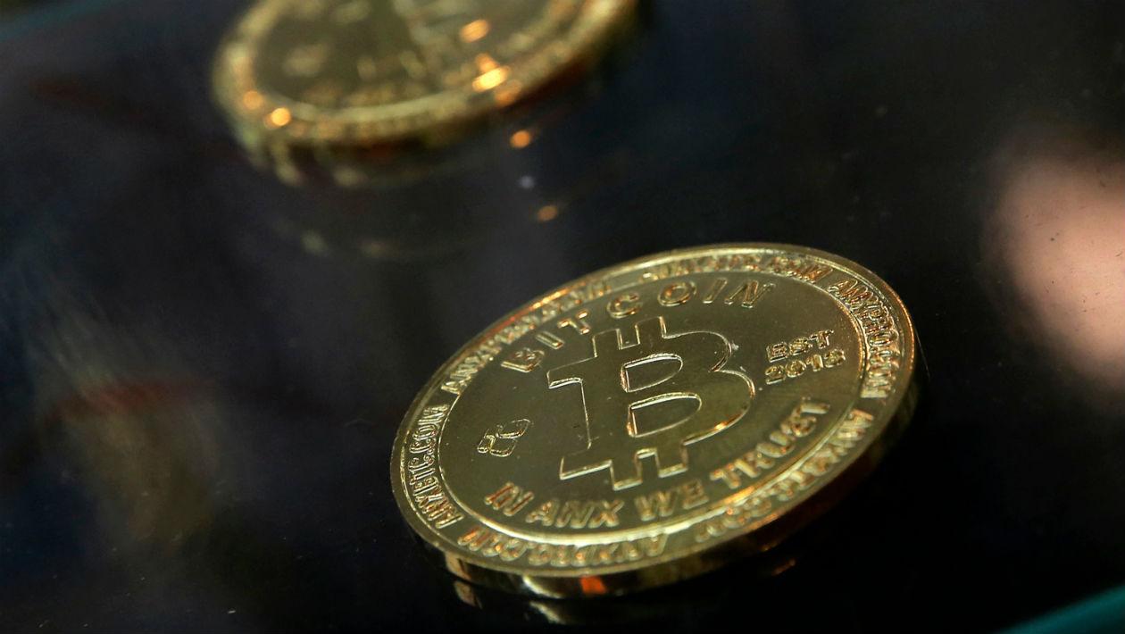 Bitcoin completa nove anos com legado de popularizar tecnologia complicada