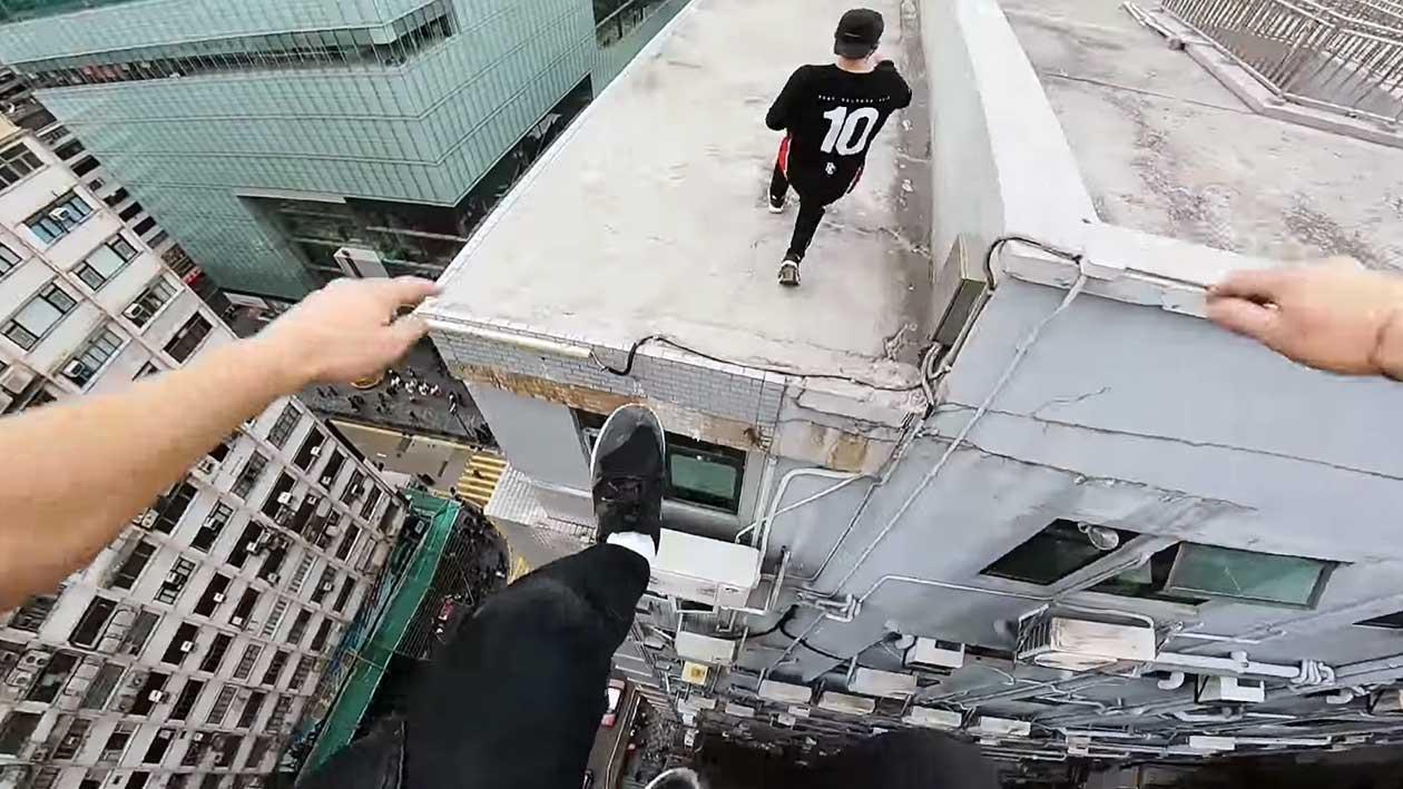 Fique com medo de altura assistindo a estes malucos fazer parkour em Hong Kong