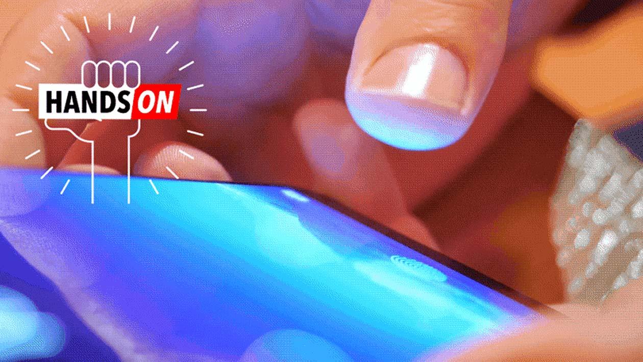 O que é preciso fazer para ter um leitor de digitais na tela dos smartphones