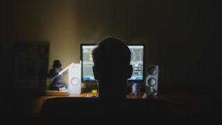 homem-computador-noite