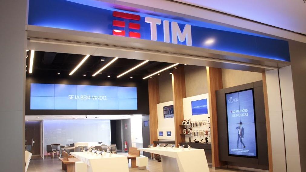 Usuários da TIM relatam celulares adiantados em uma hora