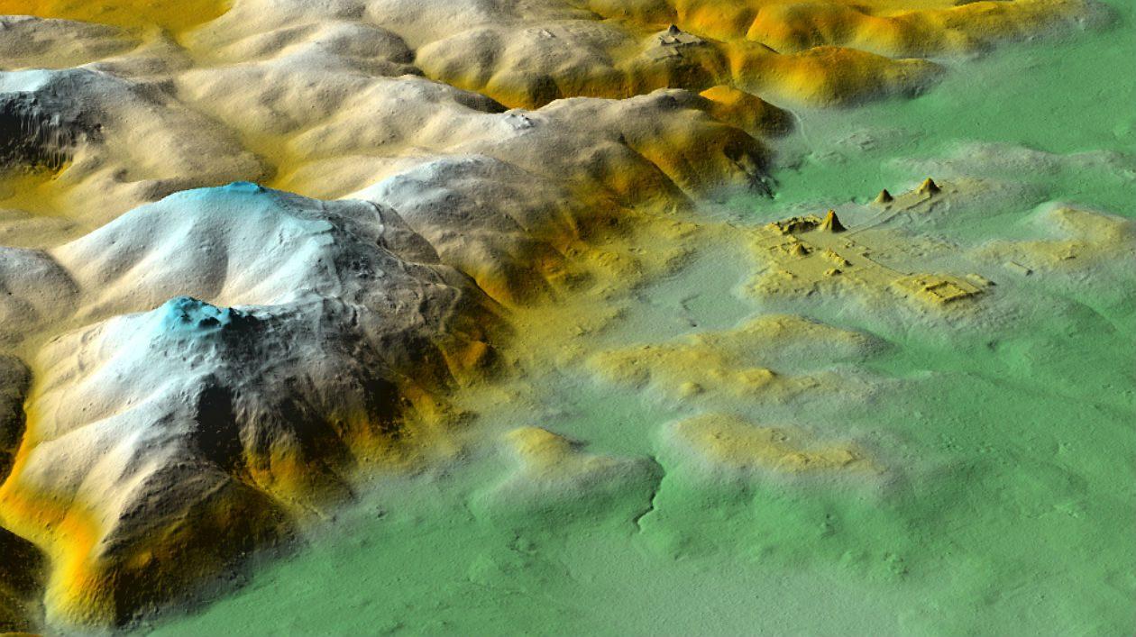 Encontraram uma pirâmide escondida em meio a milhares de estruturas maias antigas recém-descobertas