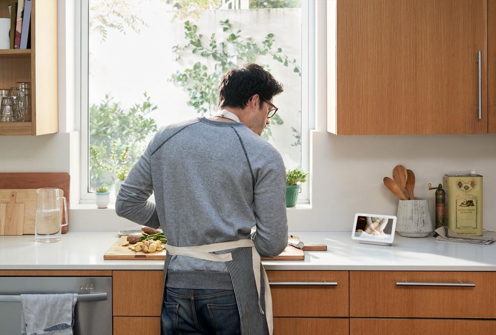 Google Home Hub é uma smart display para controlar sua casa e auxiliar na cozinha