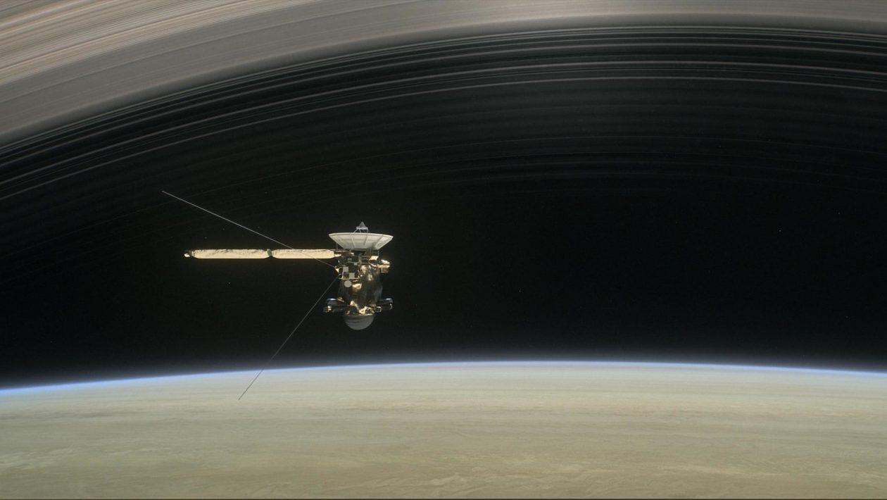 O Grand Finale da Cassini revela que os anéis de Saturno despejam material orgânico no planeta