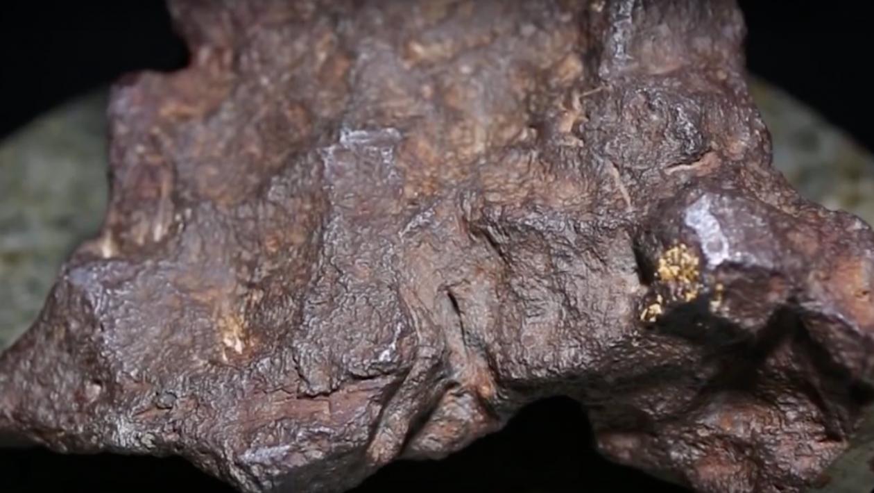 Um cara descobriu que seu apoio de porta é um meteorito que vale mais de US$ 100 mil