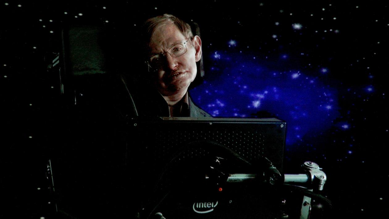 Tem Na Web - Cadeira de rodas e artigos de Stephen Hawking vão a leilão