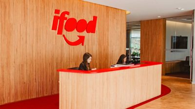 Escritório com logotipo do iFood