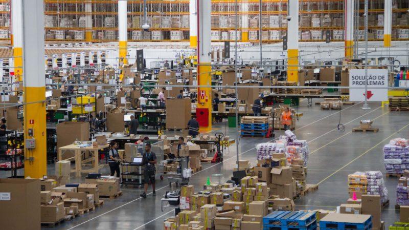 Centro de distribuição da Amazon em São Paulo