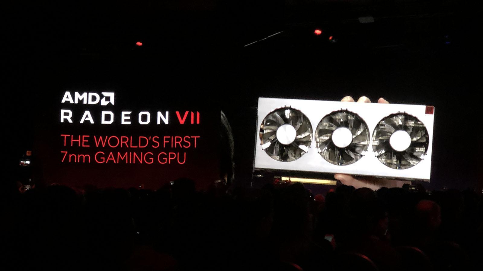 AMD Radeon VII apresentada durante a CES 2019