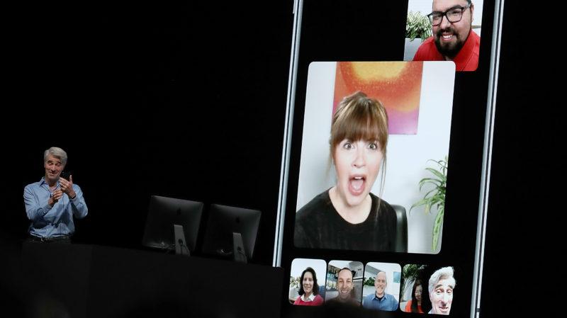 Craig Federighi demonstra recurso FaceTime em grupo durante evento