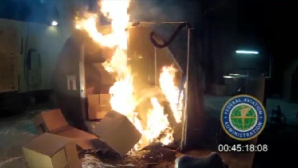 - incendio faa 970x546 - EUA proíbem transporte de baterias de íon lítio como carga em voos comerciais