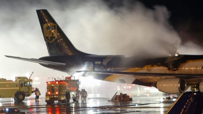 - incendio voo cargueiro ups 800x450 - EUA proíbem transporte de baterias de íon lítio como carga em voos comerciais