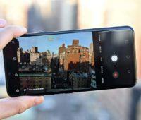 Aplicativo da câmera aberto do LG G8 mostrando paisagem.