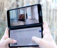 LG V50 5G com o acessório de tela dupla