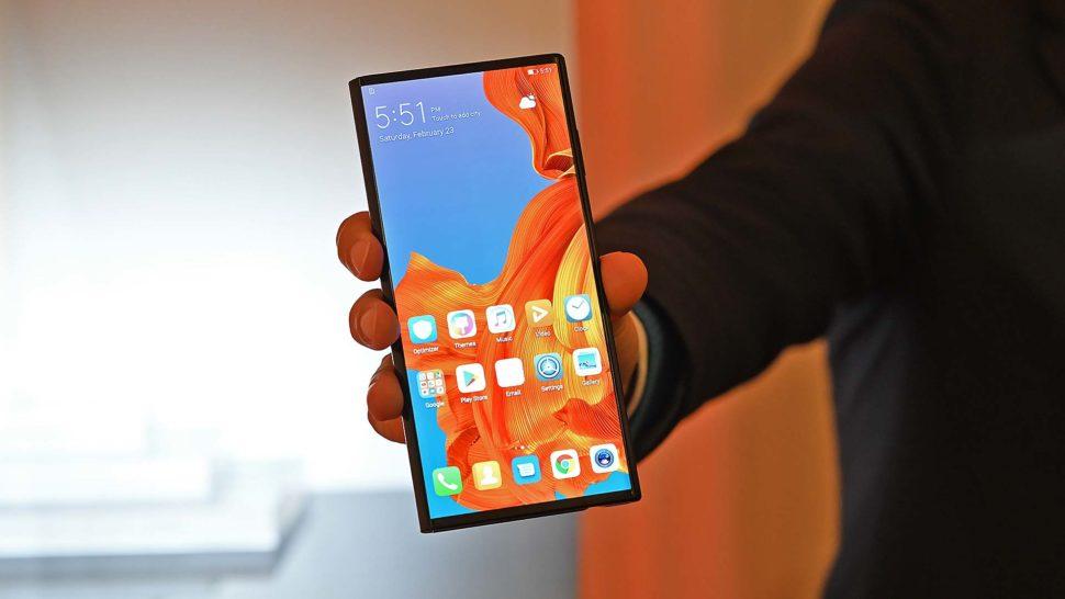 Smartphone Huawei Mate X de frente