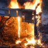 Gabinete de desktop em chamas
