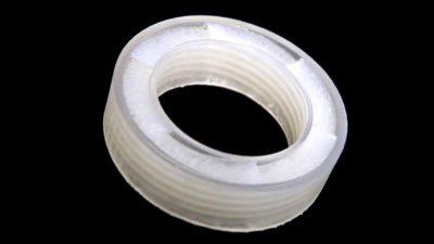 Material anti-ruído em forma de anel criado por pesquisadores da Universidade de Boston