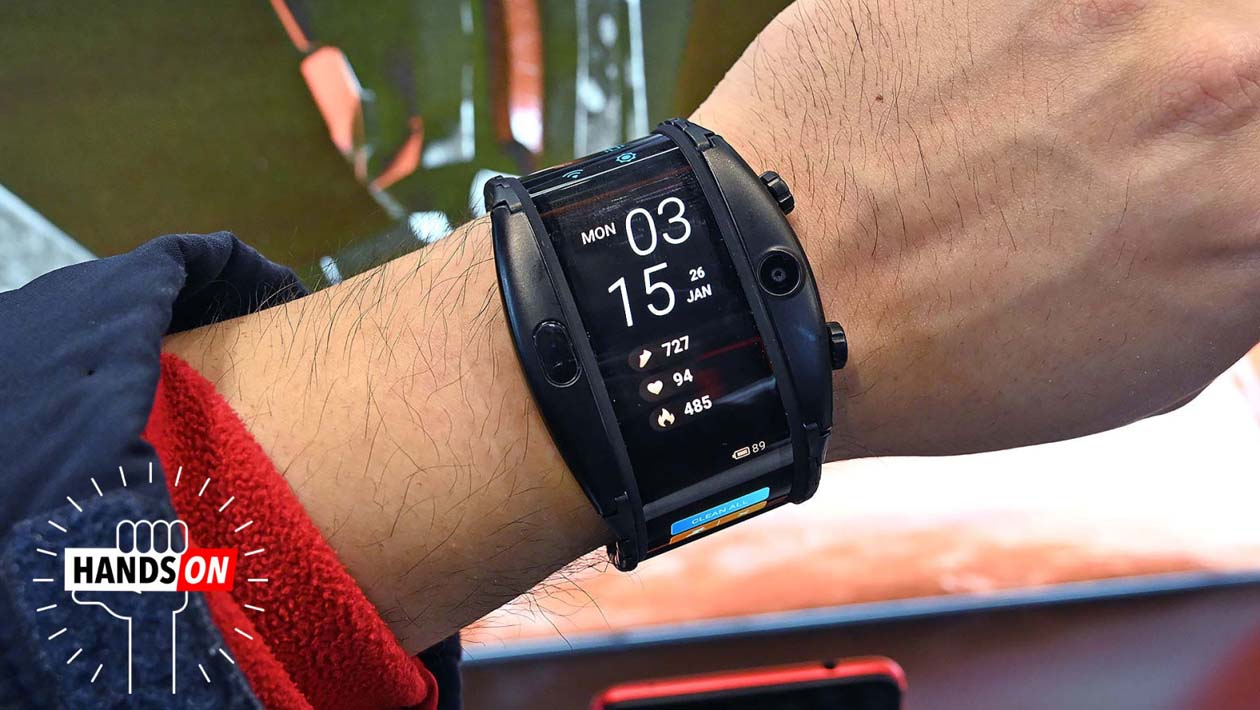 Smartwatch com tela flexível Nubia Alpha