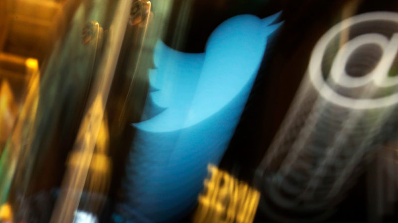 Twitter vai permitir seguir tópicos igual você segue contas e está testando um novo visual