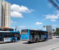Foto de ônibus tiradas com o Moto G7