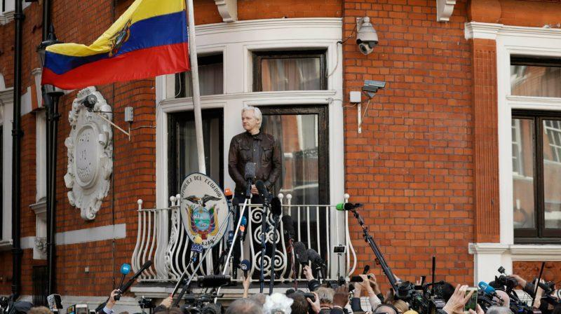 Equador diz ter sido vítima de 40 milhões de ataques cibernéticos desde entregar Julian Assange