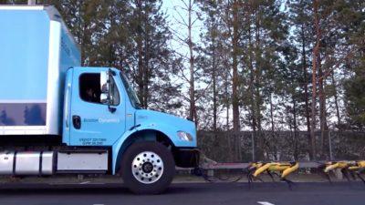 Caminhão da Boston Dynamics sendo puxado por cães robóticos