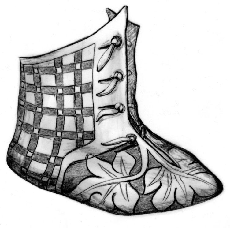 desenho de uma bota. o desenho foi feito em preto e branco. a bota tem desenhos de folhas e flores no pé. na parte da frente do cano, três botões. o cano é feito de couro com uma textura quadriculada.