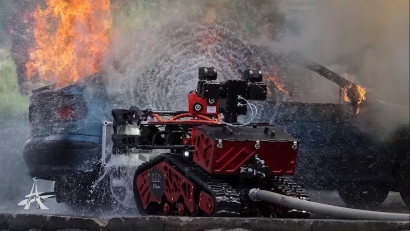 Conheça Colossus, o robô usado pelos bombeiros para combater o incêndio na Catedral de Notre-Dame