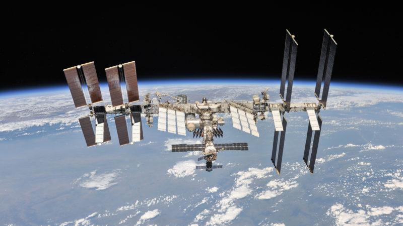 A Estação Espacial Internacional é um terreno fértil para bactérias e fungos, descobre estudo