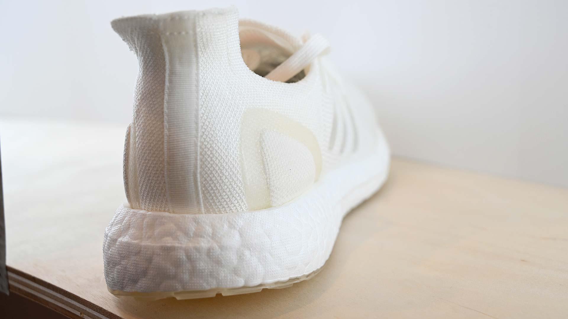 27a6e04d11 Adidas cria tênis recicláveis que darão desconto na compra de um ...