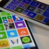 Dois Nokia Lumia 640 na tela inicial do Windows Phone