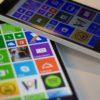 Dois Nokia Lumia 640 na tela inicial do Windows Phone
