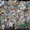 Acúmulo de plástico em aterros
