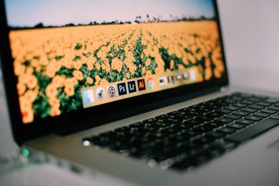 Suíte Creative Clouds, da Adobe, em um MacBook