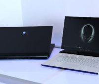 Alienware m15 e m17 lado a lado.