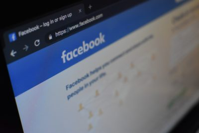 Página inicial de login do Facebook