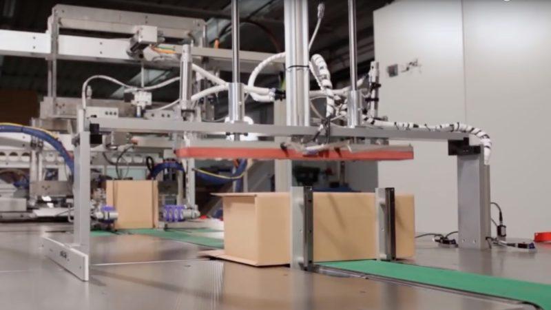 É assim que a Amazon vai substituir humanos por máquinas no empacotamento de caixas