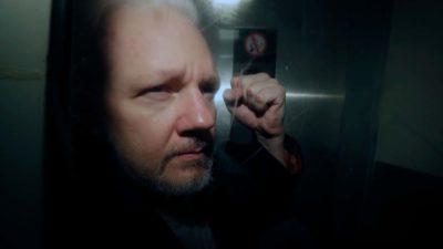 Julian Assange em custódia no Reino Unido no dia 1º de maio de 2019