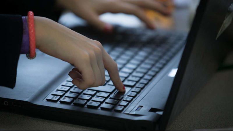 China prende 20 pessoas por manter um site erótico com transmissões ao vivo
