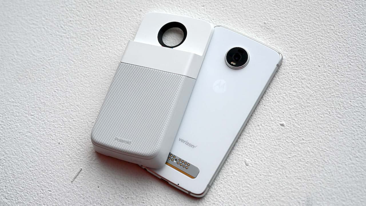 Moto Z4 com módulo da Polaroid