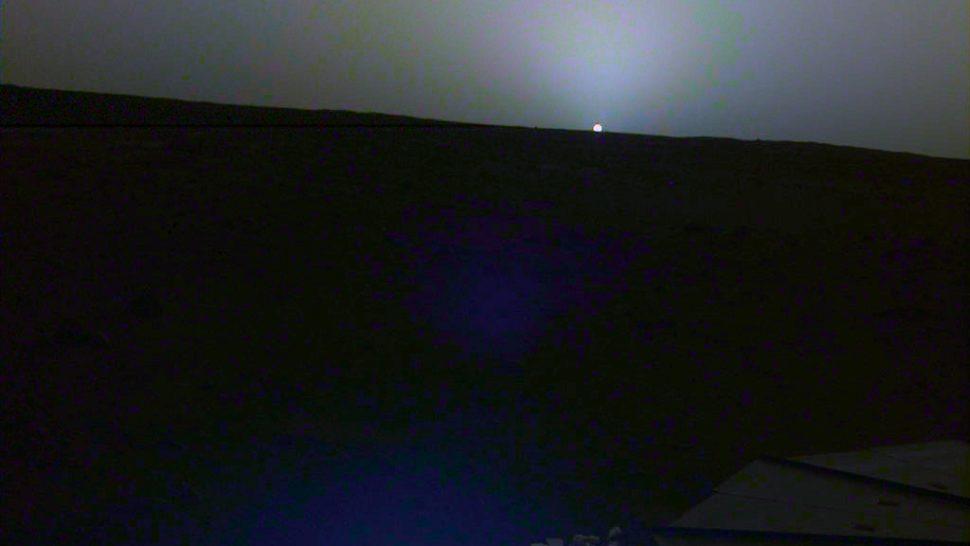 Pôr do Sol de Marte capturado pela sonda InSight