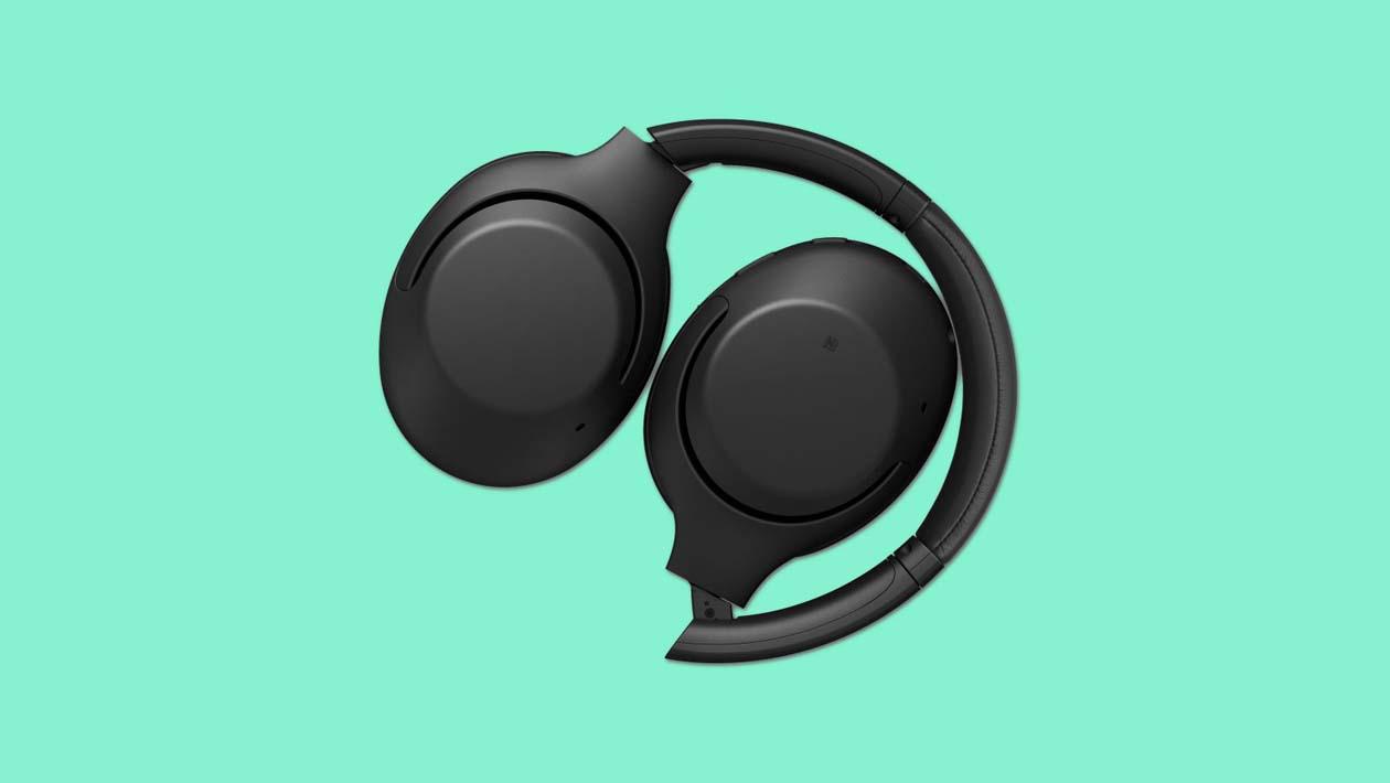 Fones de ouvido Sony XB900N dobrados